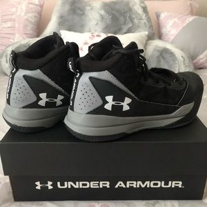 Under Armour Jet Mid Basketball Shoes